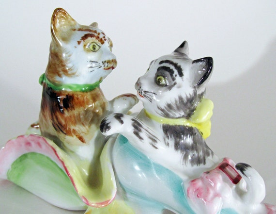 Vintage Cats or Kittens in a Shoe and Hat Collectible Figurine