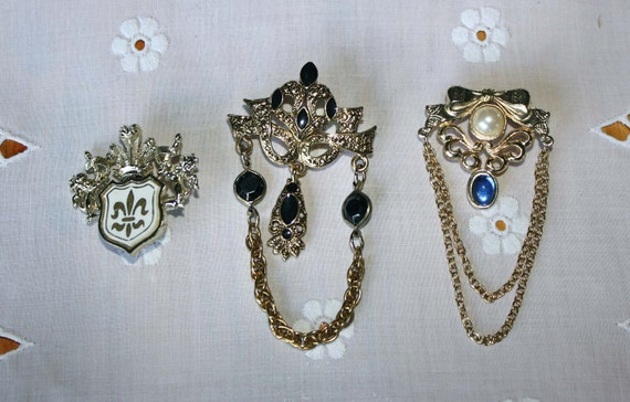Lot of 3 Vintage Crest Brooches