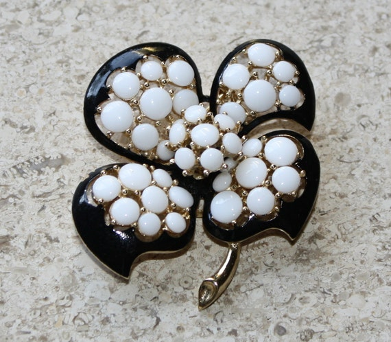 Lovely Vintage White Milk and Black Enamel Brooch
