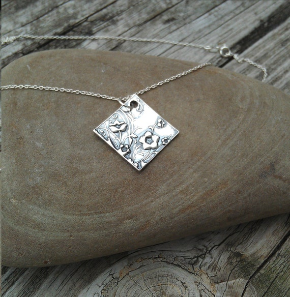 999 Fine Silver Necklace with Flowers