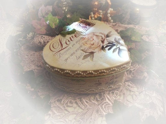 Shabby Chic Heart Trinker Box Container Victorian Style