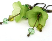 Lime green earrings, flower jewelry, lucite flower earrings, green flower earrings, beaded jewelry