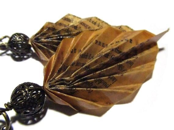 Vintage Book Page Leaf Earrings - Pride and Prejudice