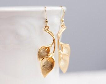 Calla Lily Earrings Gold Calla Earrings Lily Flower Earrings Calla Lily Wedding Jewelry - E093