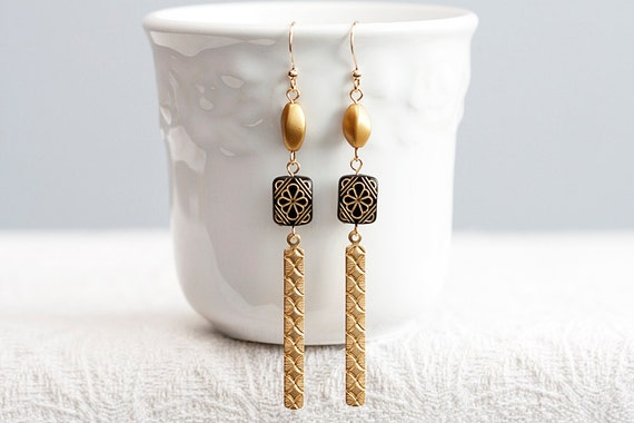 Unique Black Gold Long Earrings Floral Bead Diamond Etched Drops Twisted Bead Brass Stick Earrings - E139