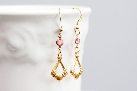 Gold Drop Earrings Pink Resin Crystal Connector Elegant Drop Dangle Gold Earrings Delicate Jewelry - E147