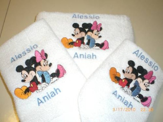 Mickey & Minnie Mouse sitting back to back 3 by embroidablesbydee