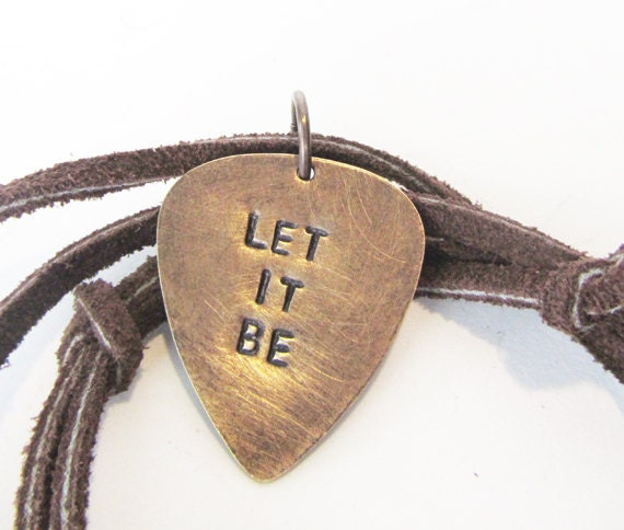 how to make a guitar pick necklace without a hole
