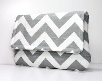 Clutch Purse - Grey / Gray and White Chevron with 2 Pockets - Optional Detachable Wrist Strap - Made to Order
