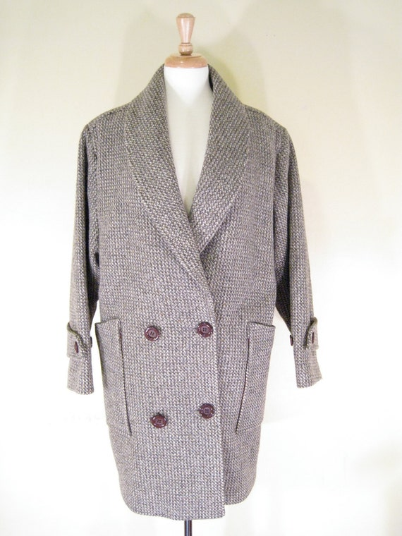 Gray Tweed Wool Coat. Size Large. Double Breasted. Oversized