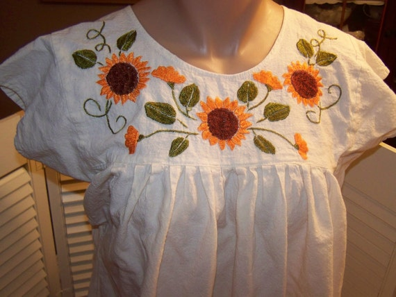 vintage Mexican dress, embroidered muslin cotton, boho, hippie, retro Mexico size M