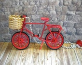 Vintage Style Dutch Bicycle Necklace with wicker basket