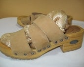 Vintage Candies Sandals Shoes Size 7 Rare Style Wooden Sole Leather Beige Silver tone Studs