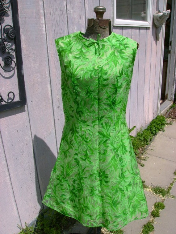 Adorable Green Chiffon 1960s sleeveless Mini Dress  36 bust