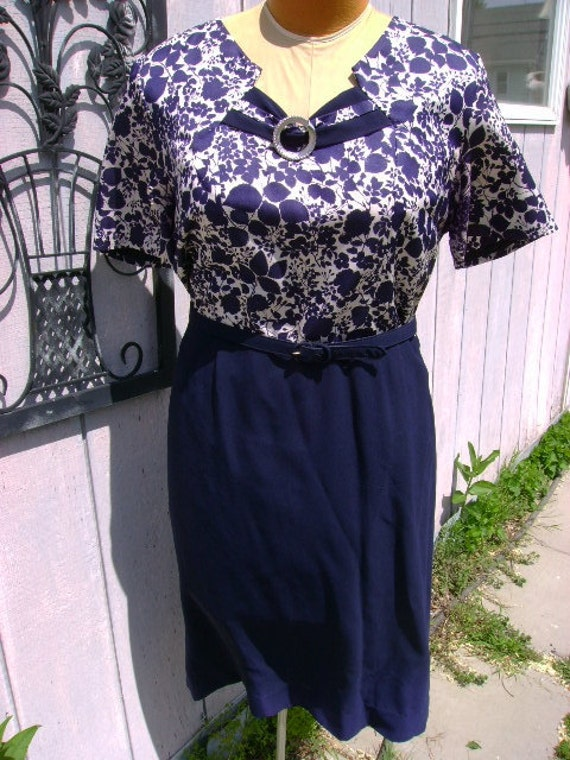 Plus Size Navy Blue and white Dress 1950-60's bust up to 44
