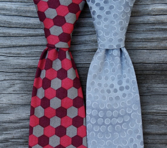 Boys Tie in Silver or Honeycomb Red