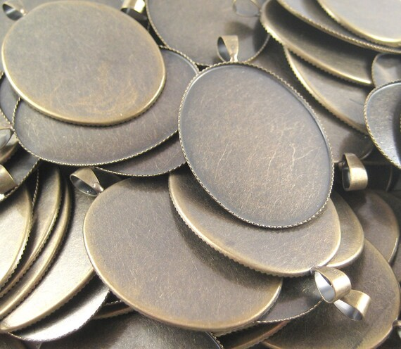 Cabochon Pendant Settings - Antique Bronze - Oval - 30mm x 47mm - 1 mm thick