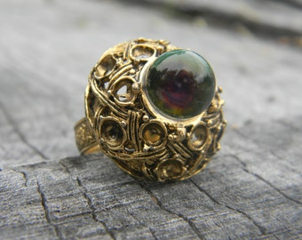 Vintage Ornate Dome Gold Glass Ball Ring