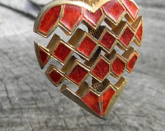 Vintage Red and Green Enamel Flex Heart Pendent