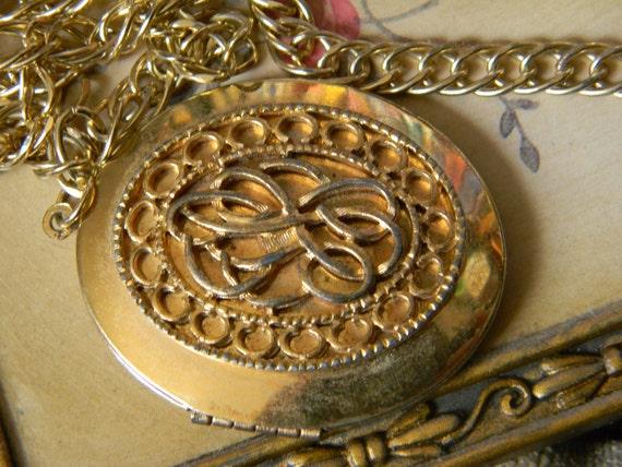 Vintage Round Gold Locket With Ornate Design