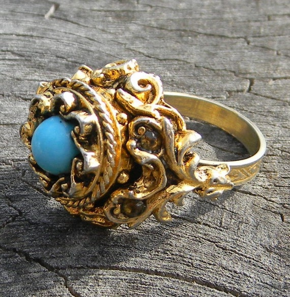 Vintage ART Gold and Turquoise Poison Ring