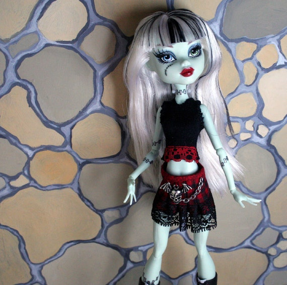Skirt and Top for Monster High