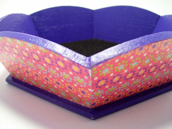 Dotted Flower Tray