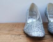Vintage Shoes - Mod Silver Glitter Heels Pumps Size 10