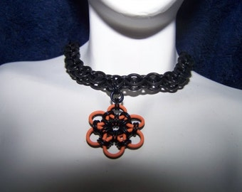 Reversable Rubber Helm Choker with Pendant