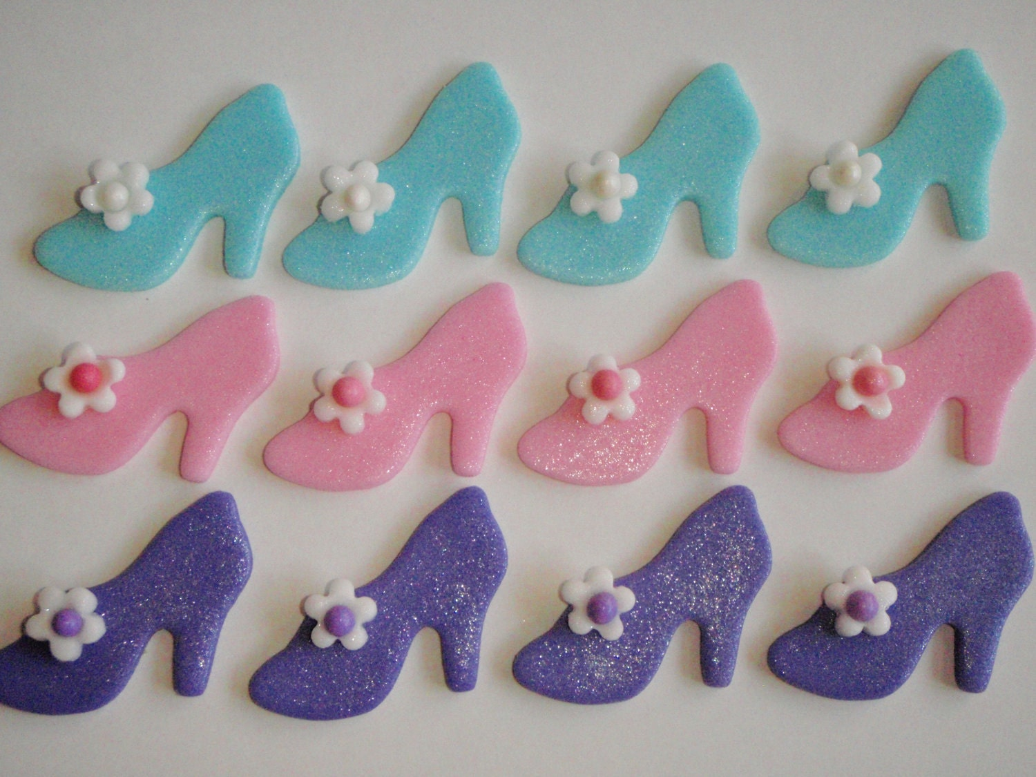 Cake Toppers On Fondant : Fondant Shoe Cupcake Topper or Cake Decorations Cinderella