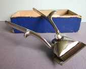 Vintage Beauty Klip manual metal hair clippers made by Allover Mfg. Co. Racine Wis. in original box with instructions