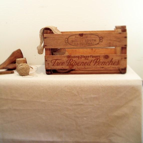 circa 1950 vintage crate sunny brand peaches south carolina