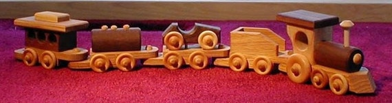 Small Wooden Train - handcrafted - 5 cars