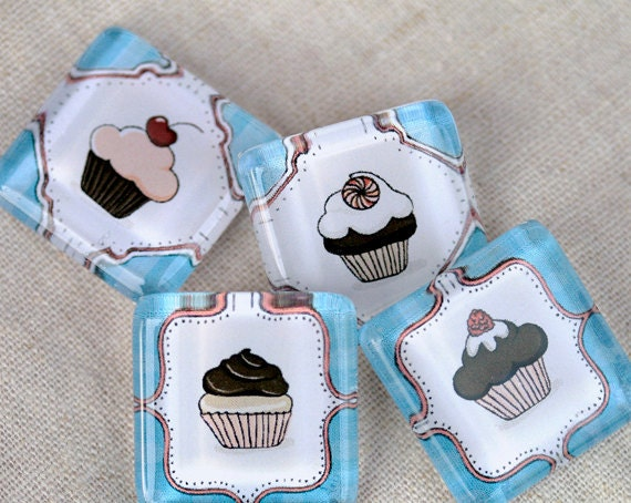 Glass magnet, delicious cupcake for mother's day by lafabriqueabricole on Etsy