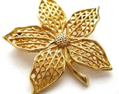 Vintage Flower Brooch, gold