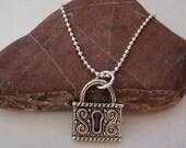 QQice'' Silver-Antique Lock-Necklace