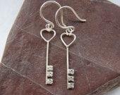QQice'' 925 Sterling Silver-Petite Silver Key-Earrings