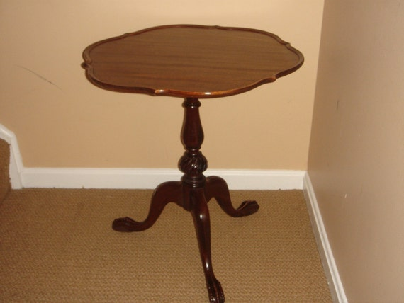 New Price Chippendale Mahogany Pie Crust Table