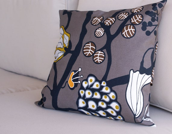 decorative throw pillow cover in patricia cotton ikea fabric. Black Bedroom Furniture Sets. Home Design Ideas