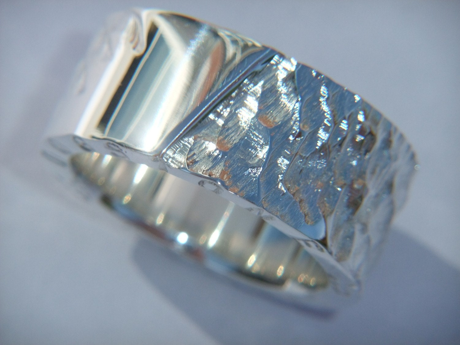 chunky made 925 sterling silver ring with a unique