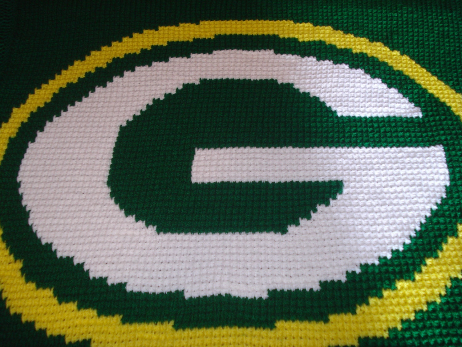 Crochet Pattern Green Bay Packer Afghan : Hand Crocheted Green Bay Packers Logo Blanket 42x45 by ...
