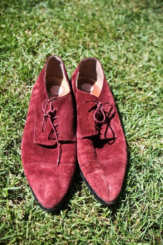 RESERVED - Vintage 1980s soft suede burgundy oxfords (Size 10)