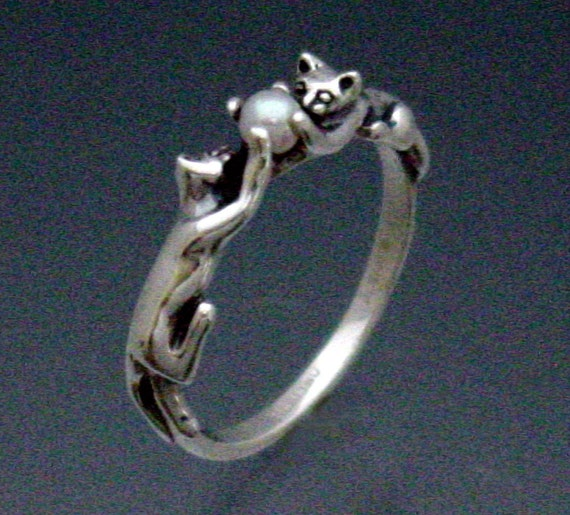 Two Cats Ring with Pearl Size 3 to 8 3/4