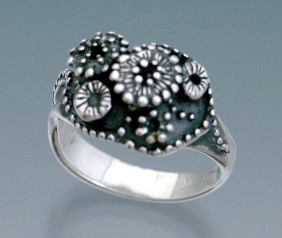 Anemone Cluster Ring