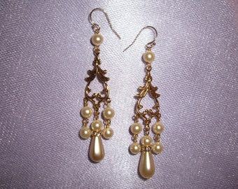Wedding Earrings, Gold Wedding Earrings, Gold Bridal Earrings, Gold Filled Ear Wires, Creamy Ivory Pearls