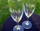 Mr and Mrs Etched Champagne Flutes - Perfect For Wedding - Sassy Stylish Unique