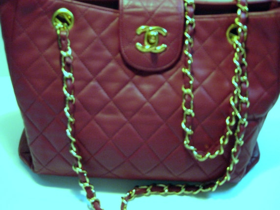 Exquisite Authentic Vintage Chanel Quilted Red Leather Double Strap Handbag