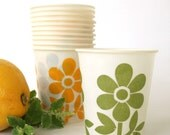 Vintage Dixie Cups 1970s Avocado Green Harvest Gold Paper Cup