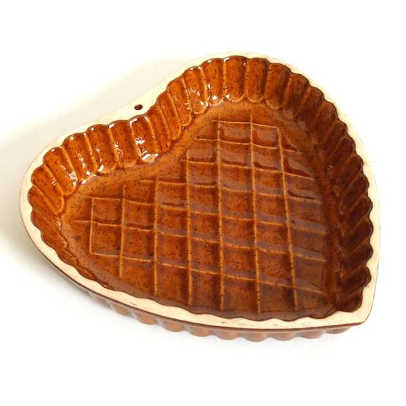 Brown Stoneware Heart Quiche Pan Pie Tart Dish