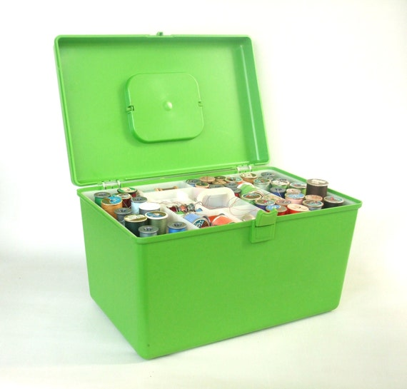 Lime Green Sewing Box / Trays / Thread / Contents Wilson Wil-Hold